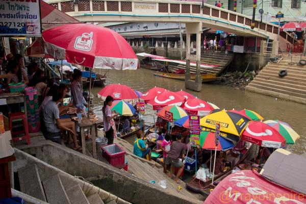 Amphawa-Floating-Market-02
