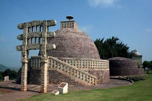 Sanchi-Stupa06