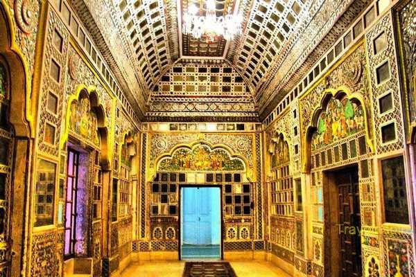 Sheesh-Mahal-09.jpg